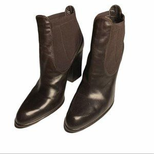 Stuart Weitzman brown leather boots size 8.5